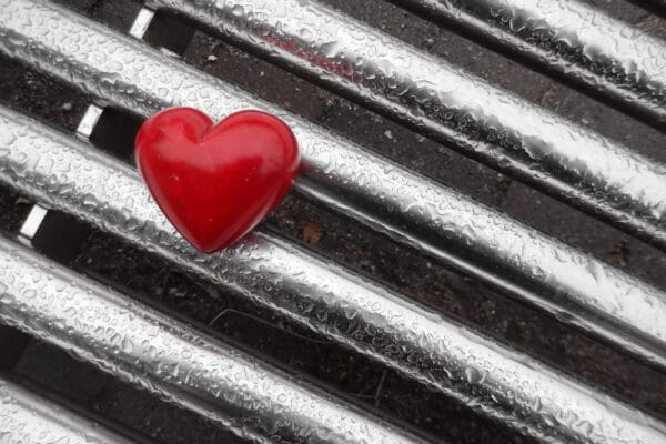 heart 1211340 1280 1 600x400 - 10 Eifersucht Sprüche zum Nachdenken