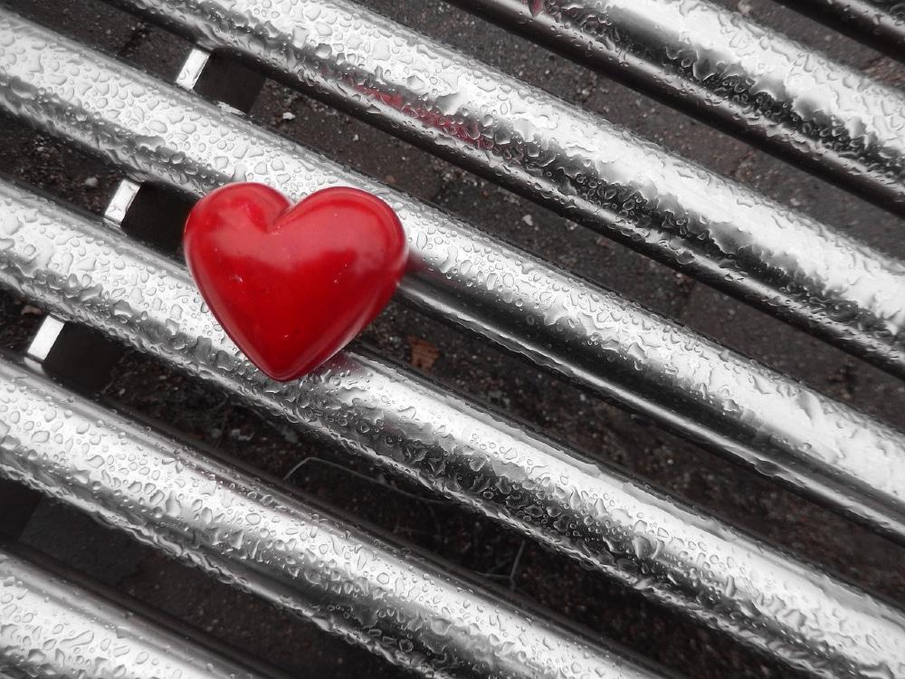 heart 1211340 1280 1 - 10 Eifersucht Sprüche zum Nachdenken