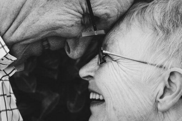 Liebeserklärungen müssen keine große Prosa oder aufwendige Gesten sein. Es sind die Kleinigkeiten im Alltag, die eine Liebe auf Dauer festigen.